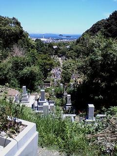 功山寺墓地