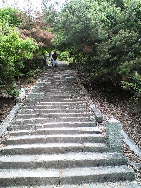 岩谷観音石段
